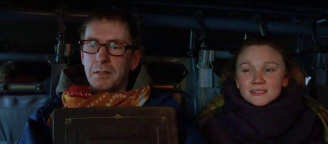 Кадр из фильма «Послезавтра» – Библия в конце фильма (героев эвакуируют из Нью-Йорка на вертолёте)